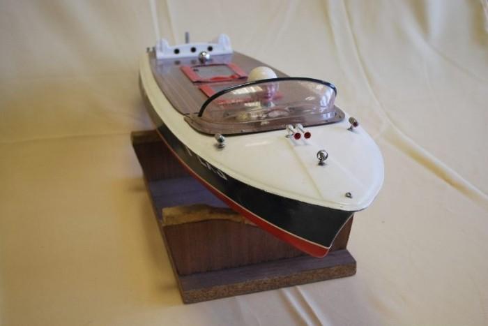 maquette le canot FEX3 modélisme naval